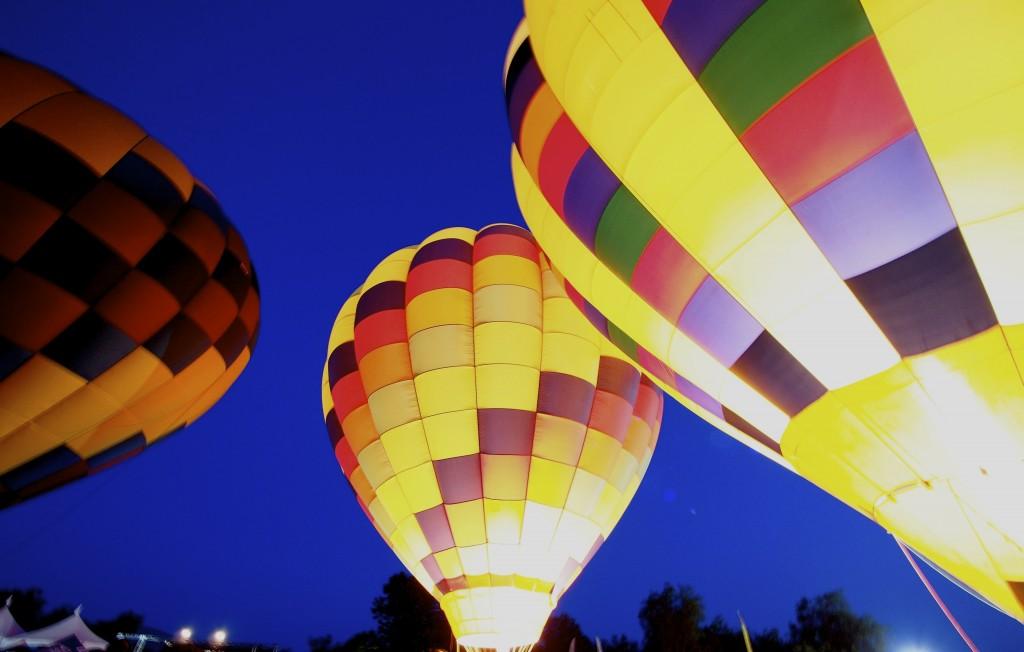 Balloon Glow Dennis Lew